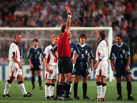 world-cup-1998-backham-bi-gai-bay-an-the-do. 2