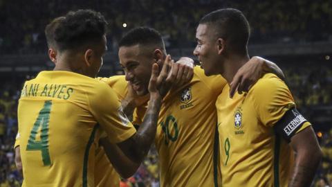 ly-do-thieu-vang-alves-la-ton-that-lon-doi-voi-dt-brazil. 2