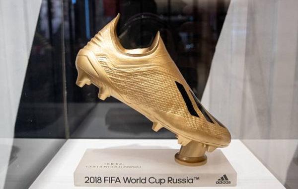 lionel-messi-va-neymar-la-nhung-ucv-hang-dau-cua-chiec-giay-vang-world-cup-2018-1